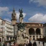 Plaza_de_la_Virgen_Blanca_en_Vitoria-Gasteiz